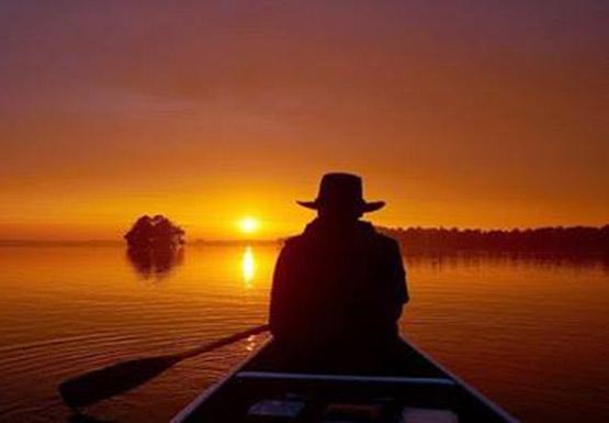 عکس پروفایل مفهومی سفر تنهایی