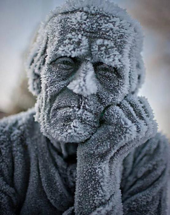 عکس پروفایل مفهومی بدون متن – با موضوع پیرمرد سالخورده و پیری