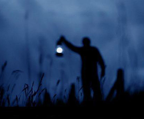 عکس پروفایل مفهومی با موضوع شب و تنهایی