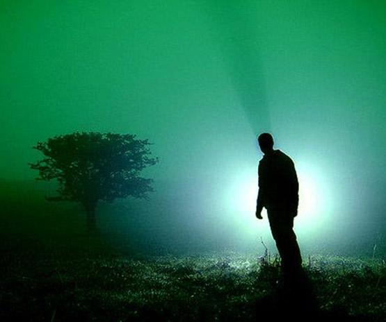 عکس پروفایل مفهومیبدون متن شب و تاریکی